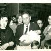 Bautizo de . . . . con la tía Rosita, el abuelo Juan Manuel, las tías Mari y Gracia